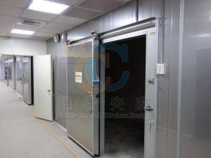 拉門式冷凍庫門,輕鬆省力節省空間