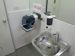 進入作業區前須經洗手與手部消毒步驟
