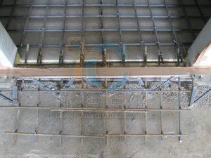 冷凍庫底植筋作業