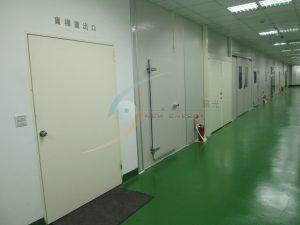 工業地板堅固耐用好清理,搭配無塵庫板與R角,清潔無死角