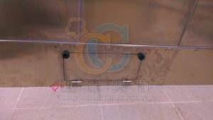 浴塵室維修孔