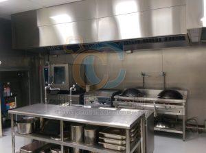 煮區不銹鋼壁設計,減少牆壁毛細孔藏污,易於清洗
